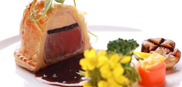 宴会の洋食肉料理イメージ