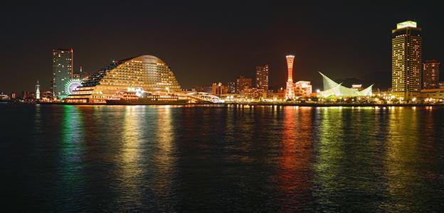 ラスイート神戸オーシャンズガーデンから見たメリケンパーク、オリエンタルホテルが見える神戸の夜景