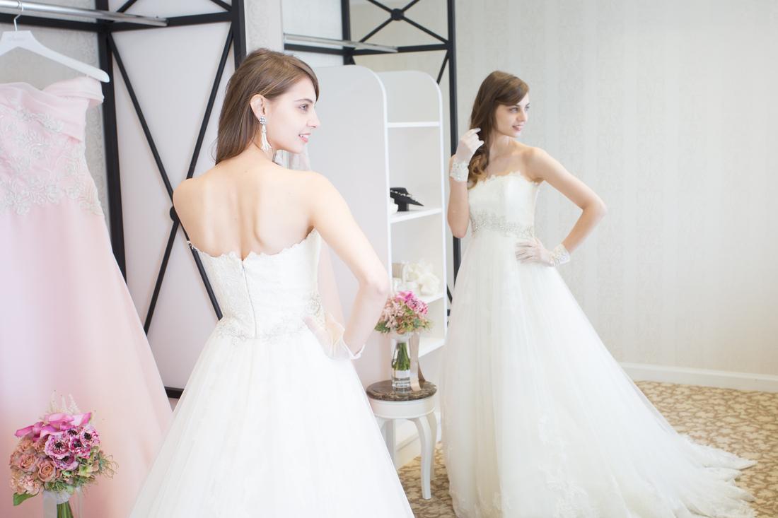【ドレス1点10万円OFF特典付♪】心ときめくWドレス試着フェア
